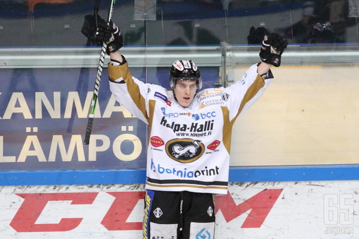 Atte Ohtamaa tuulettelee jatkossa KHL:ssä.