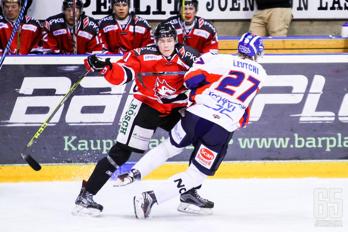 Räsänen debytoi kuluvalla kaudella Mestiksessä.