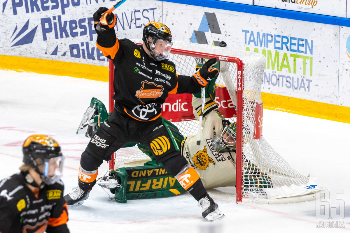 KooKoo (Aleksi Ainali) ja Ilves (Eetu Mäkiniemi) vääntävät torstaina ja perjantaina jatkopaikan kohtalosta.