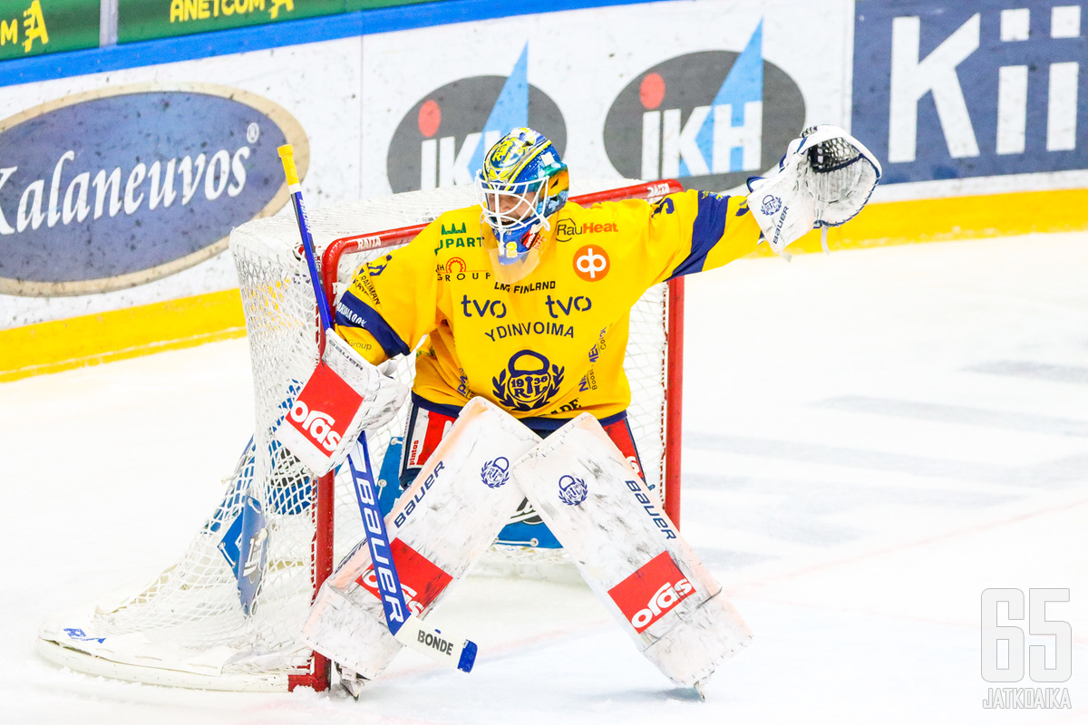 Oskari Setänen oli maalillaan varma, vaikka SaiPa onnistui luomaan lukuisia maalipaikkoja sekä yli 30 laukausta maalia kohti.