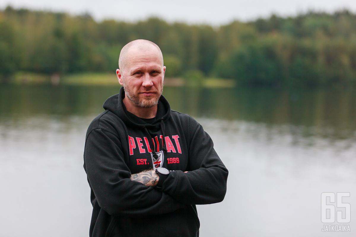 Hannes Hyvönen aloittaa päävalmentajauransa Peliitoissa.