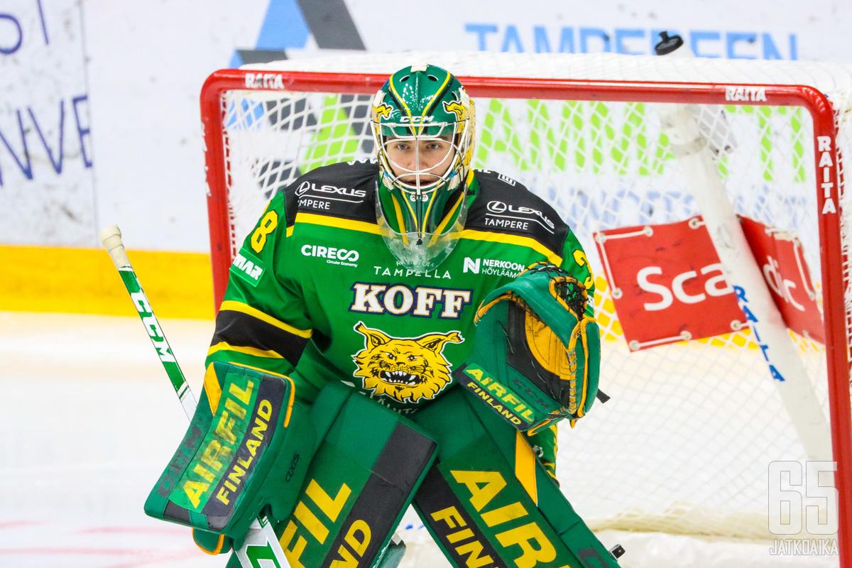Onnistunut kausi poiki Ilveksen Eetu Mäkiniemelle tulokassopimuksen Hurricanesiin.