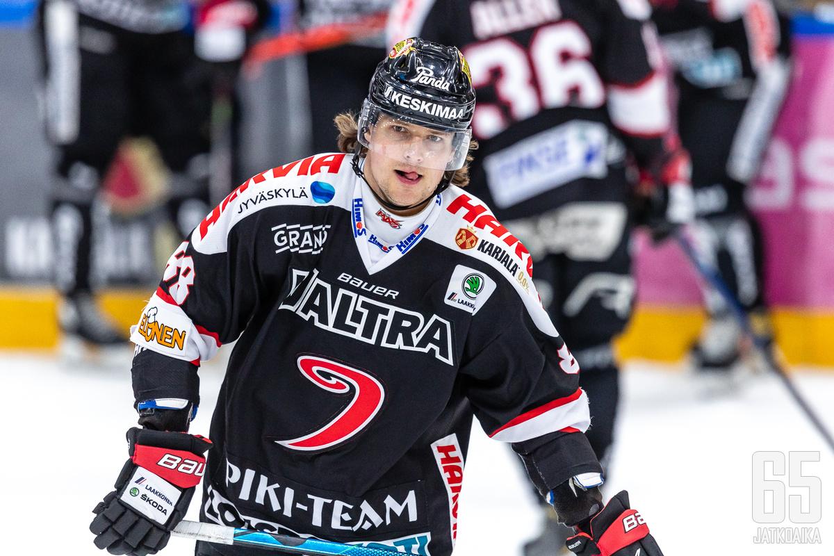 Robert Rooba jatkaa Jyväskylässä myös ensi kaudella.