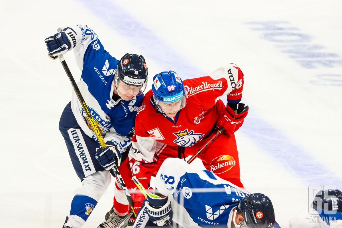 Helsingin EHT-turnauksessa Tšekki nöyryytti Leijonia 0–2-lukemin.