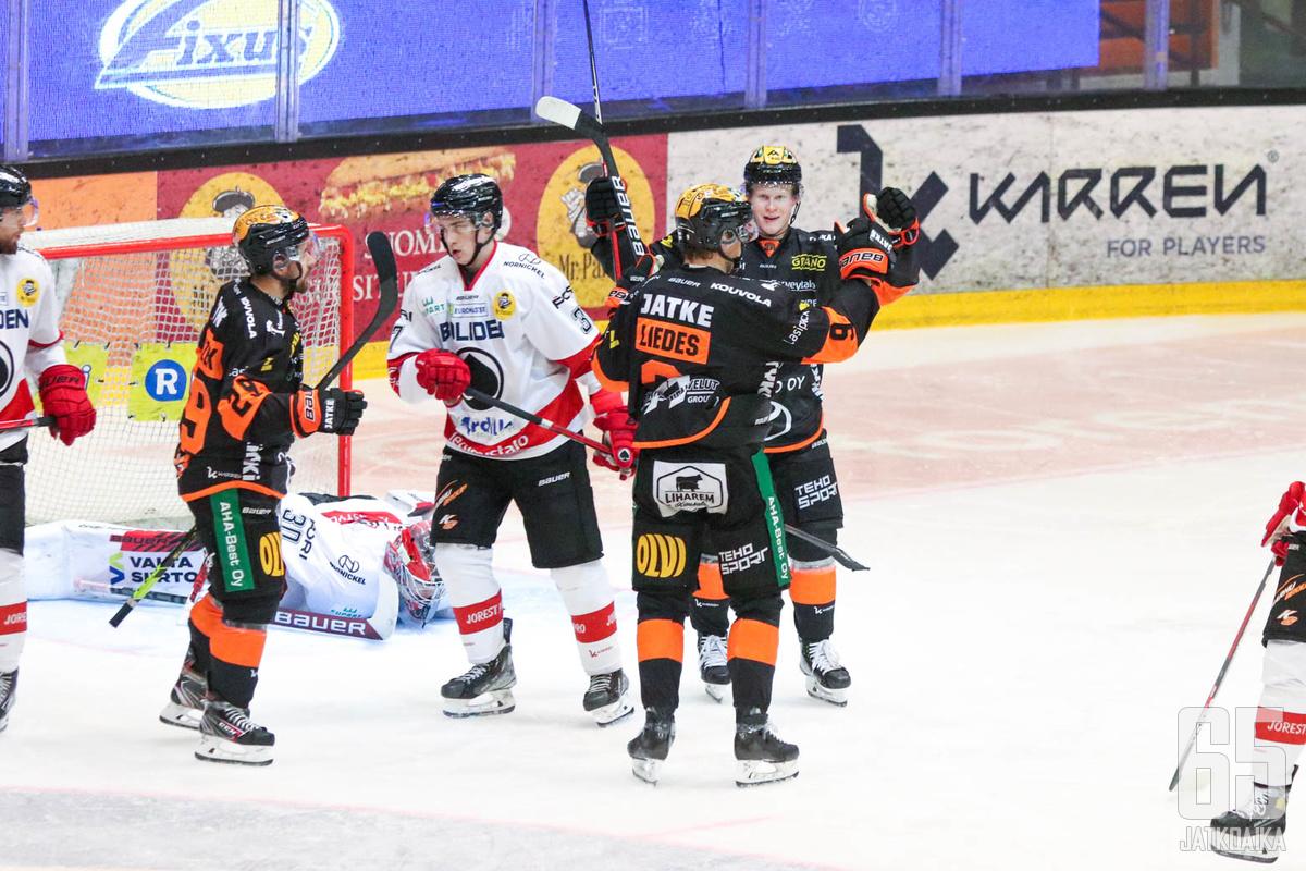 KooKoon ylivoimaonnistumiset jatkoivat joukkueen riemukasta kotivoittojen sarjaa.