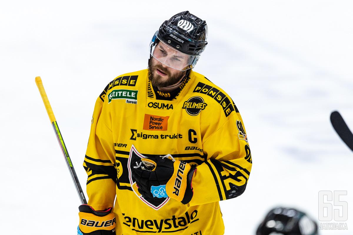Tommi Jokinen jatkaa KalPan kapteenina.