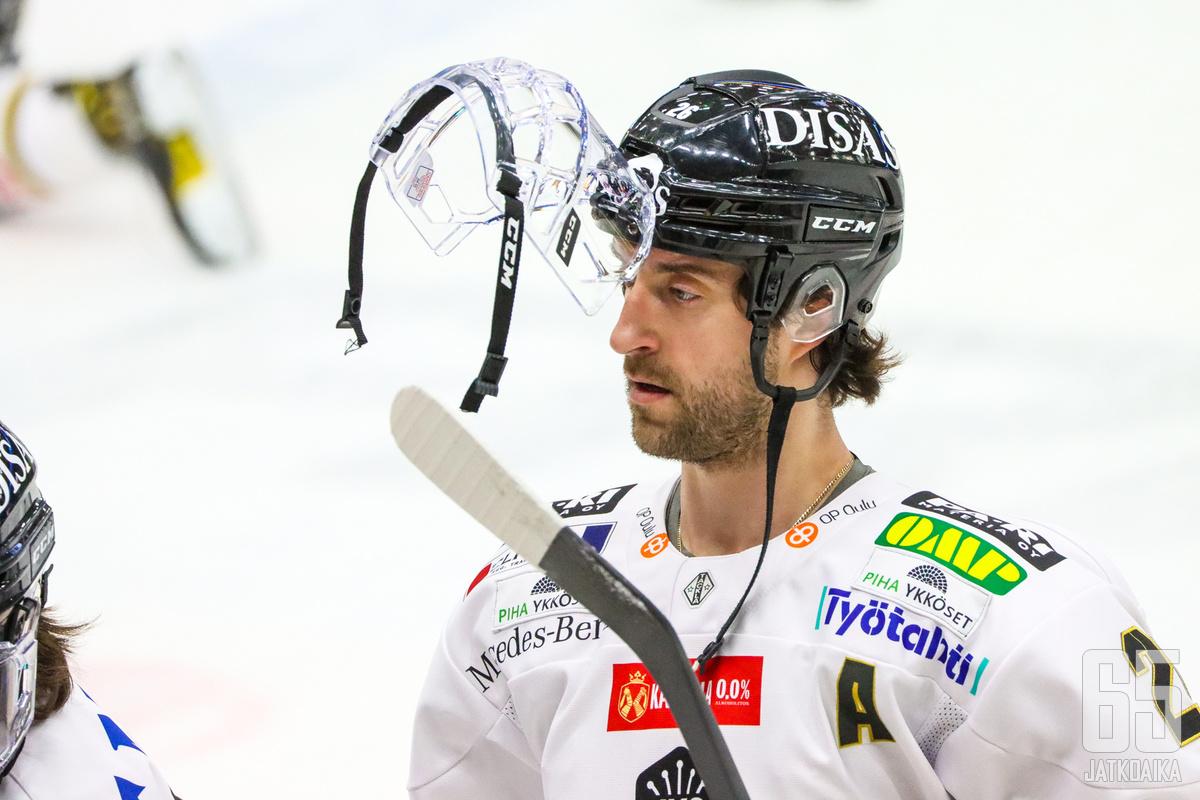Shaun Heshka pelasi tällä kaudella Kärpissä.
