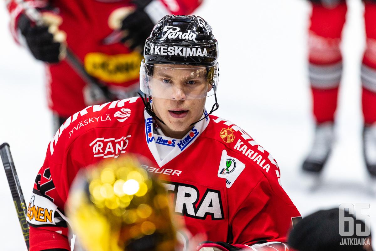 Palmu edusti viimeksi Suomessa pelastessaan JYPiä.