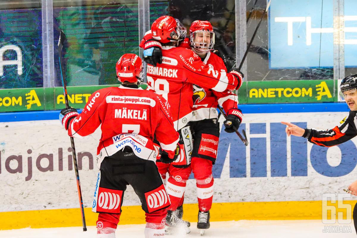 Vaasalaiset menettivät kahden maalin johtonsa, mutta juhlat olivat valmiit voittomaalikilpailun myötä.