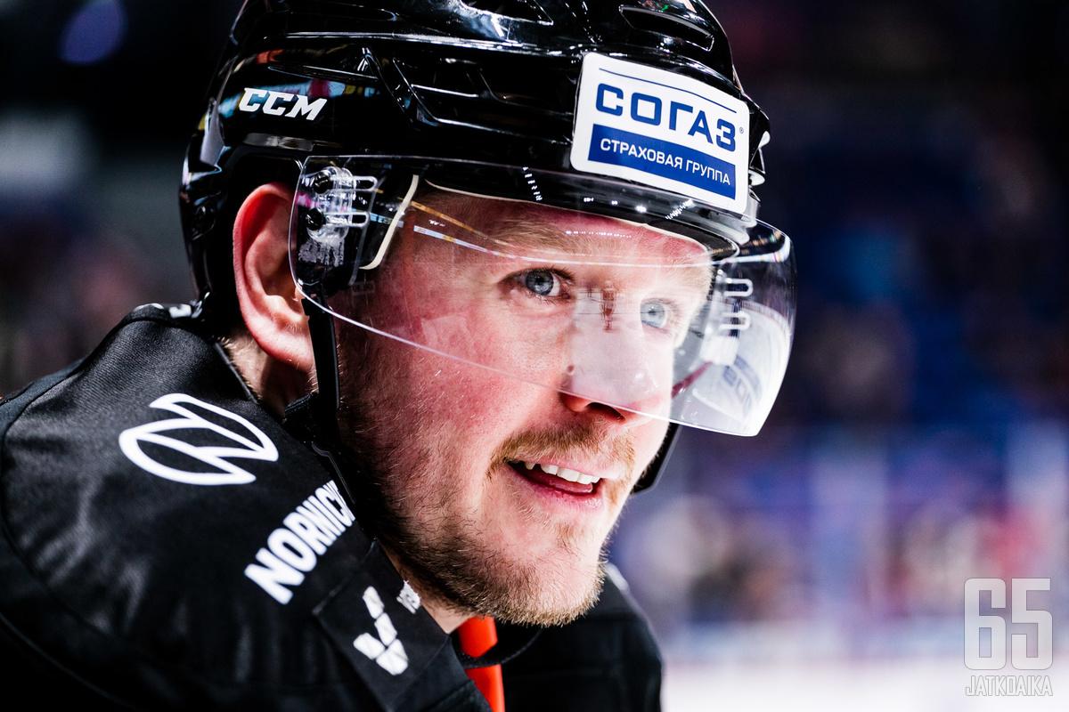 Hyökkääjä Petri Kontiola palaa liigakaukaloihin ovelana joukkuepelaajana.