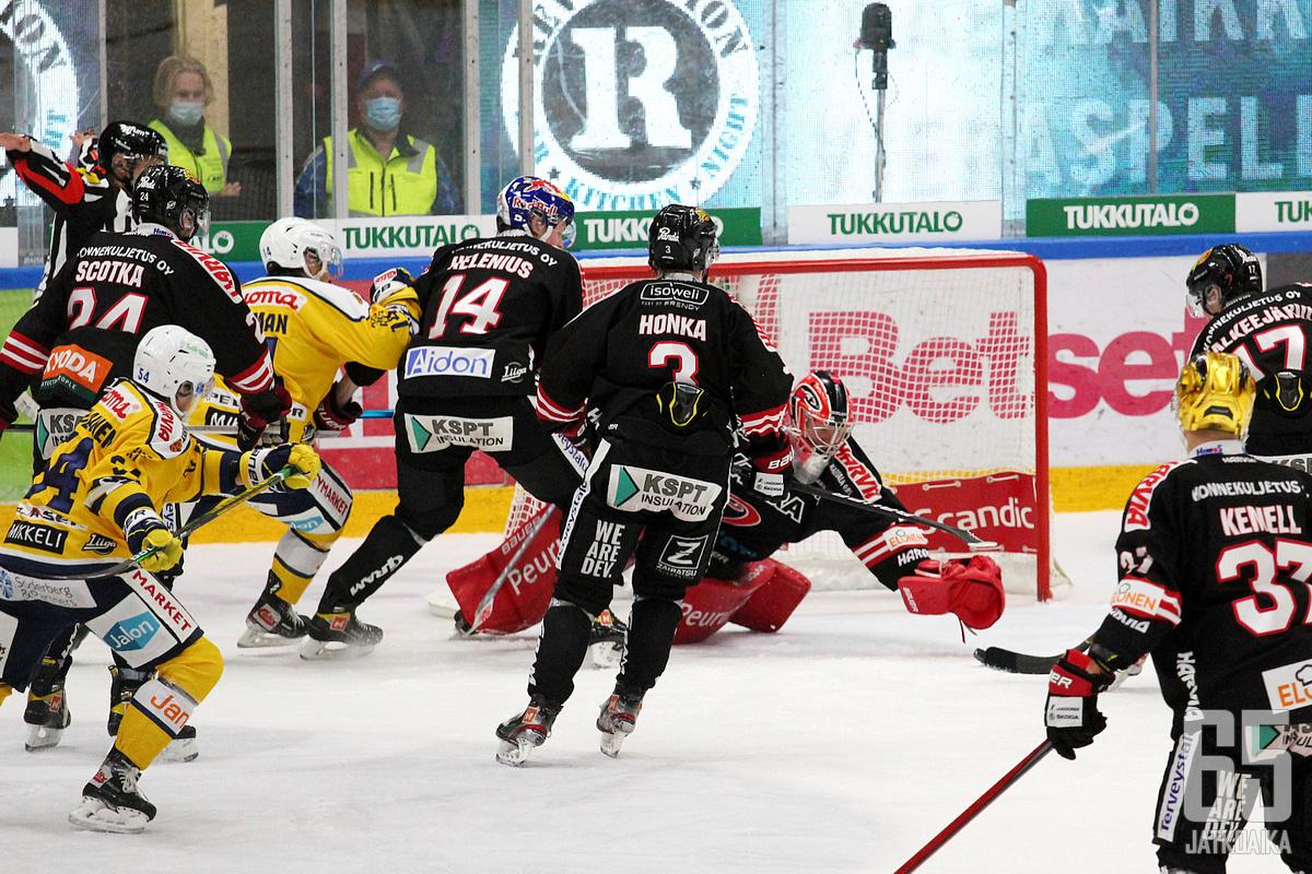 Markus Ruusu torjui 30 kertaa voittoisassa ottelussa.