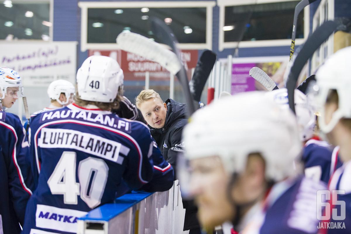 Juha Juujärvi luottaa Jimi Santalaan.