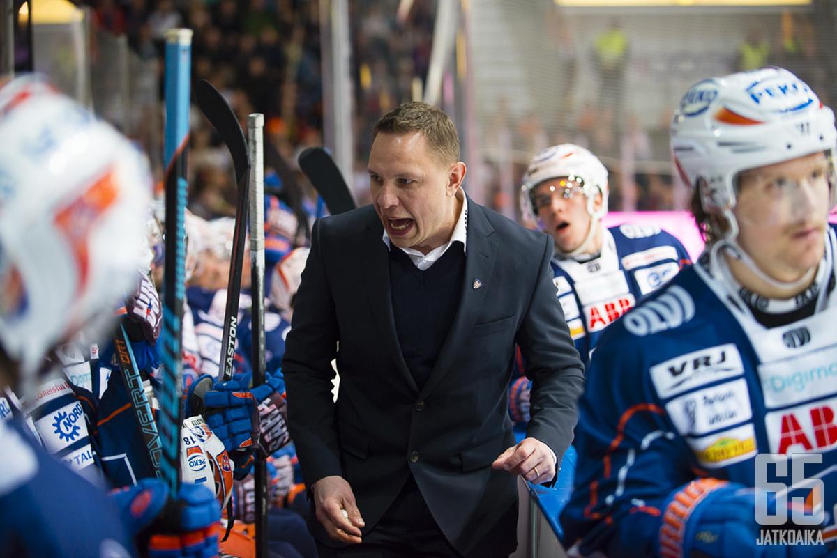 Jussi Tapolan joukot kohtaavat Ässät.