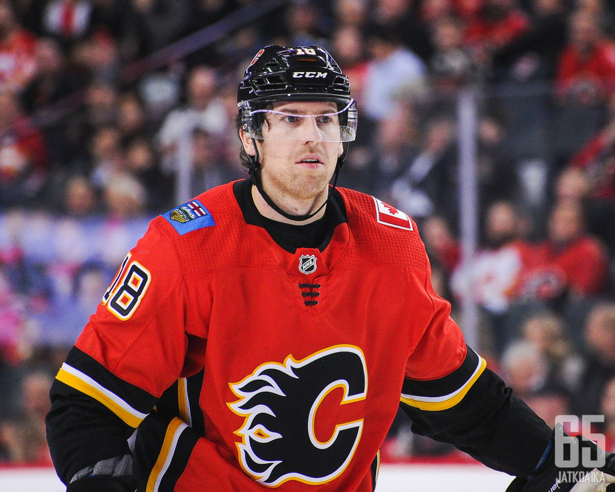 James Neal jatkaa uraansa Edmontonissa.