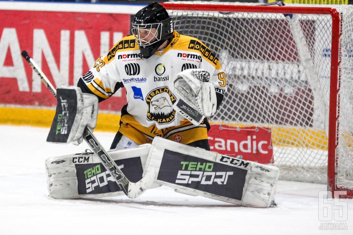 Iisalmen Peli-Karhujen maalilla viimeaikoina Tuomas Tolonen on kantanut päävastuun. Jatkaako mies maalilla myös LeKiä vastaan?