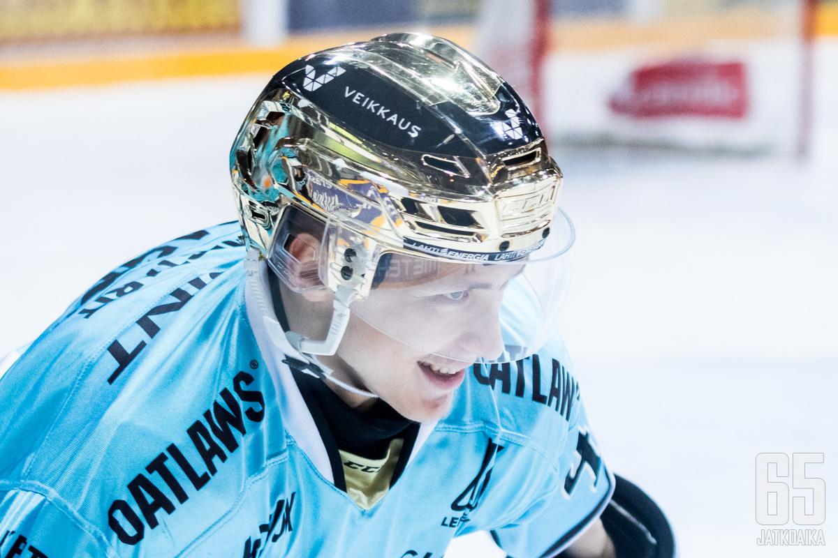 Iikka Kangasniemi pääsi tehoille paluussaan Pelicans-paitaan.