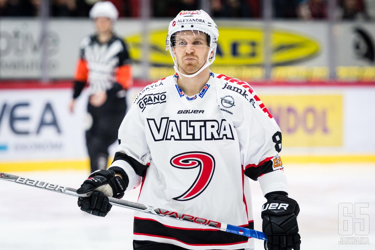 Nättinen pelasi viime kaudella Liiga-pelejäkin.
