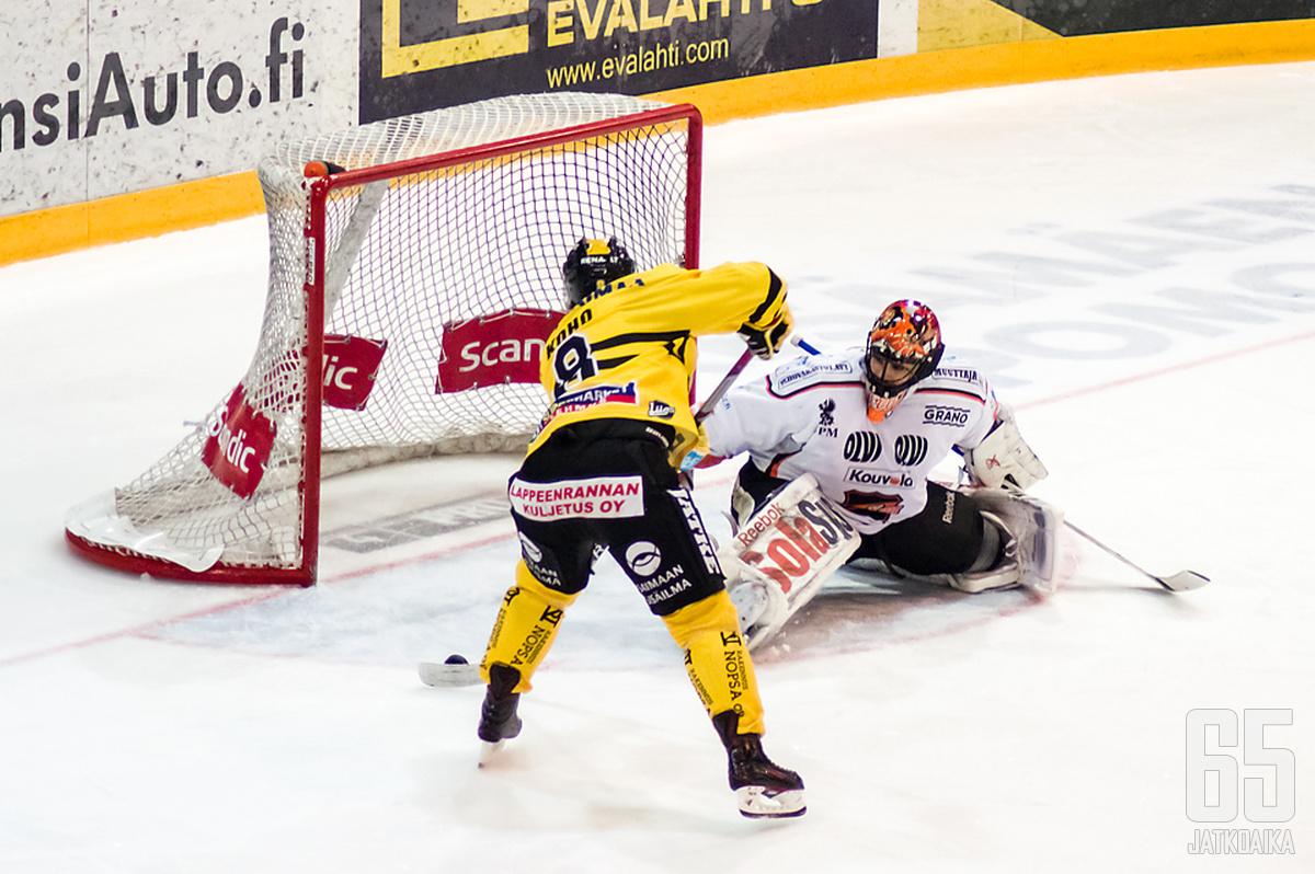 Illan juhlakalu on Ville Koho, joka pelaa 700. runkosarjaottelunsa.