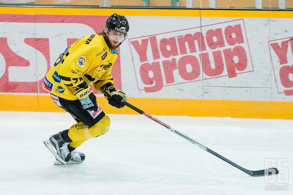 Kuronen pelasi SaiPassa kolme kautta.