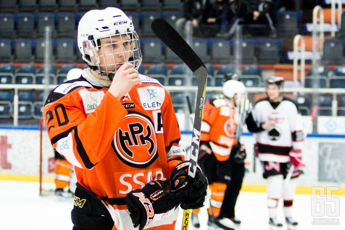 Tommi Harainen sai kunnian ratkaista HPK:n nuorten kauden.