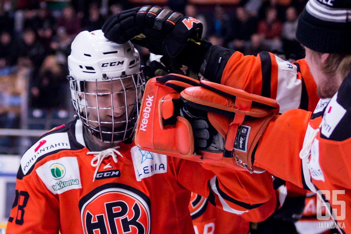 Lahtinen pelasi viime kaudella Mestistä Lempäälässä.