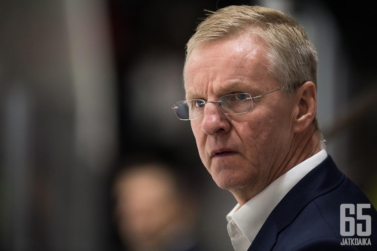 Kari Jalonen on yksi kolmesta CHL:n sveitsiläisseuran suomalaispäävalmentajasta.