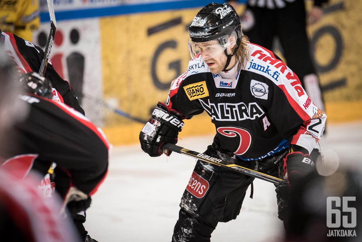 Miika Lahden ura jääkiekkoilijana jatkuu sittenkin.