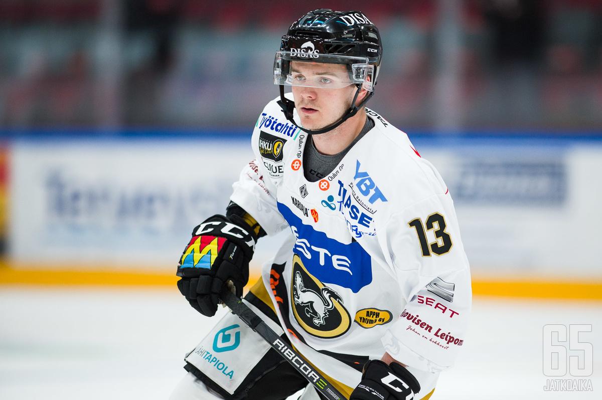 Junttila palasi täksi kaudeksi Kärppiin käytyään kauden verran Ruotsin puolella Luulajassa.