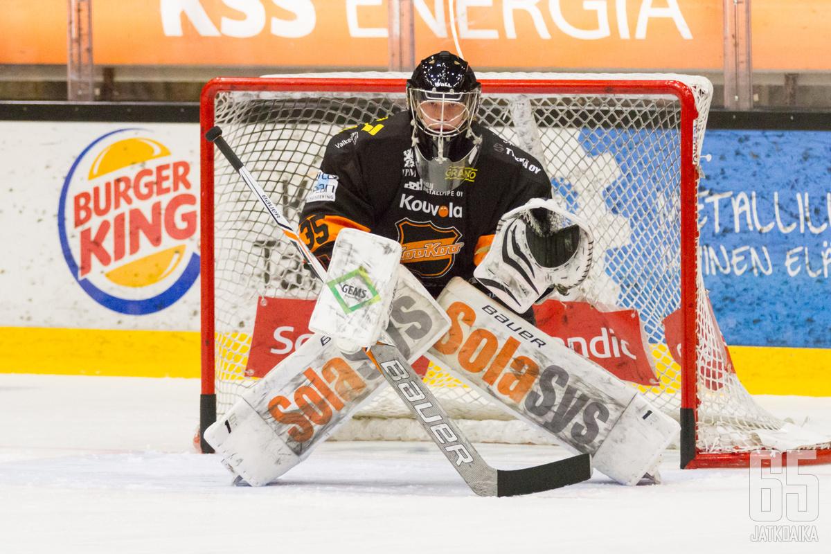 Oskari Salminen nollasi Sportin 17 torjunnalla.