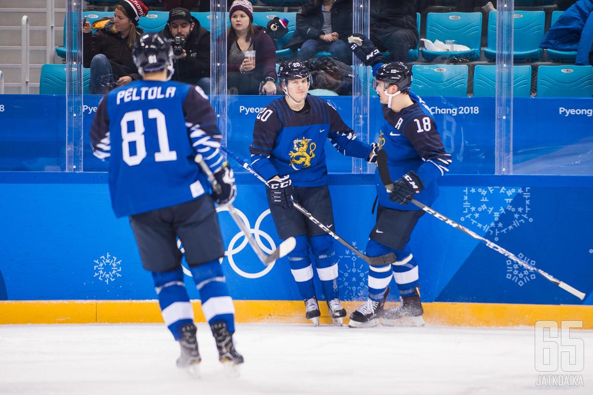 Tolvanen teki Suomen kaksi ensimmäistä maalia Norjan verkkoon.