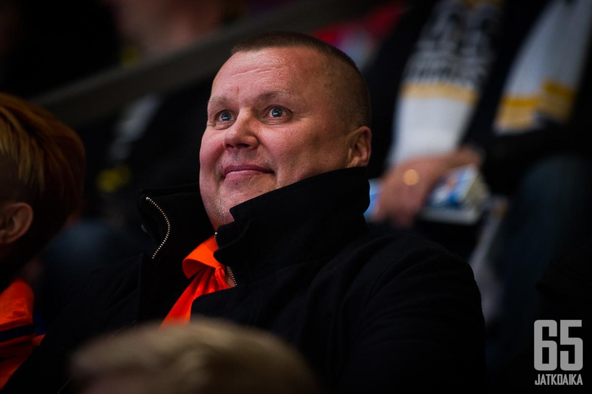 Timo Jutila toimi vuoden 1995 maailmanmestaruusjoukkueen kapteenina.