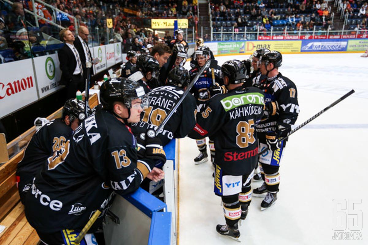 Saako Lauri Marjamäki joukkueensa keskittymään oleelliseen?