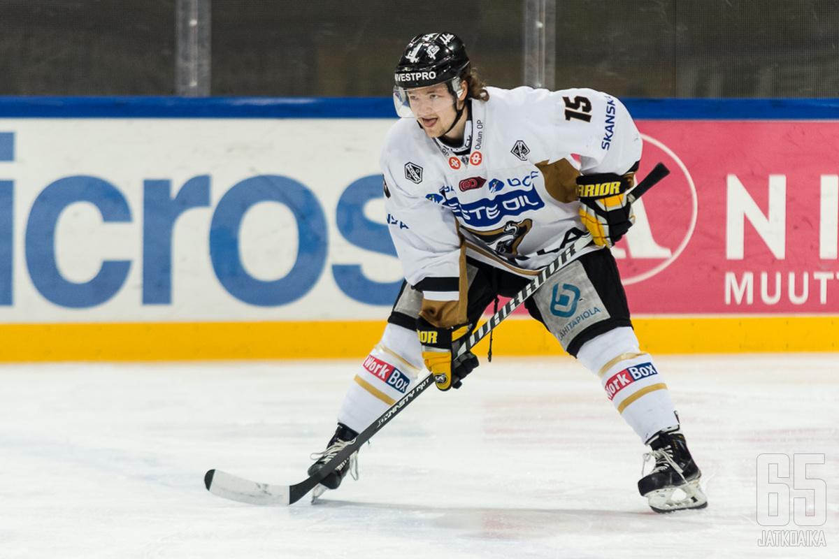 Tornberg sai viime kaudella vyölleen yhden Liiga-pelinkin.