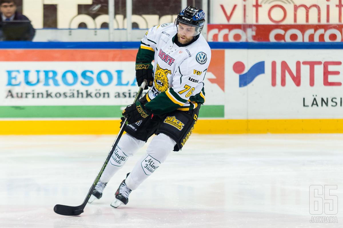 Ilveksessä pelannut Mäkinen siirtyy Slovakiaan.