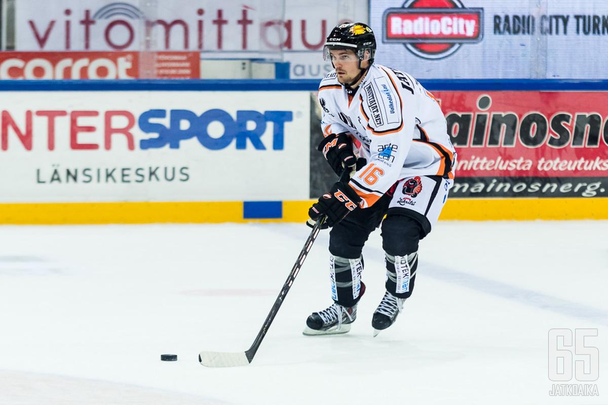 Eklund viilettää KooKoossa ensi kaudellakin.