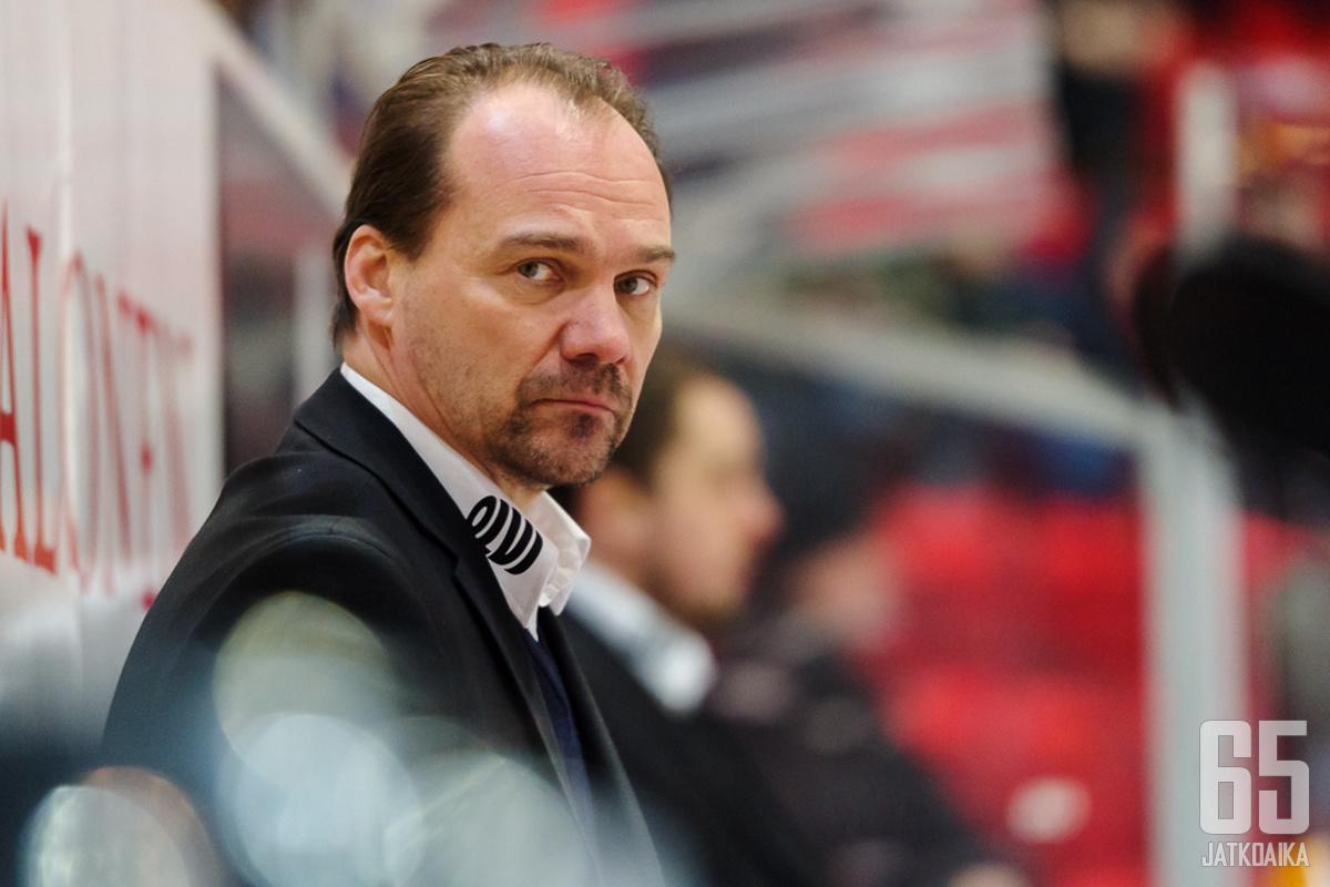 Jukka Ahvenjärvi on tullut tunnetuksi valmennustyöstään Jyväskylässä.