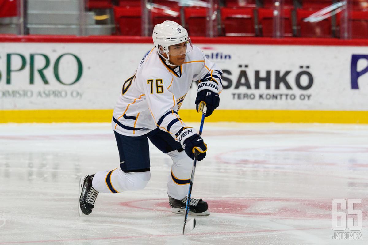 Isiguzo on pelannut Mestistä aiemmin muun muassa Espoossa.