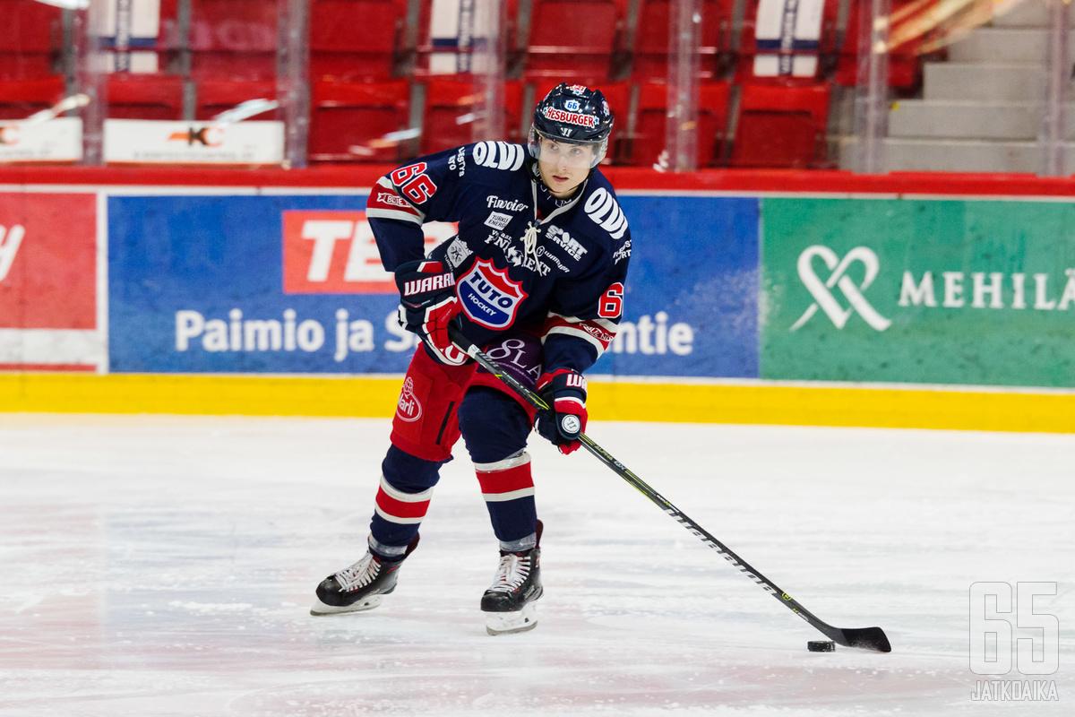 Kalle Valtola on huudattanut Kupittaan yleisöä useaan otteeseen kauden aikana.