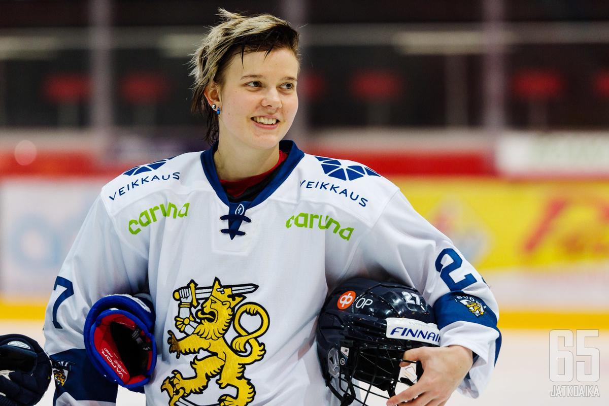 31-vuotias Saila Saari lopettaa jääkiekkouransa.