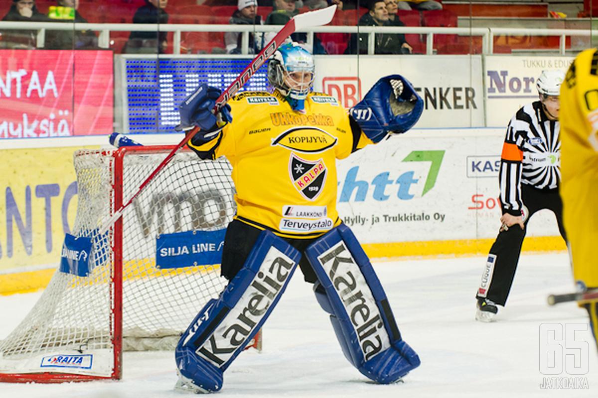 Pekka Tuokkola torjui KalPa-maalilla neljätoista kertaa.