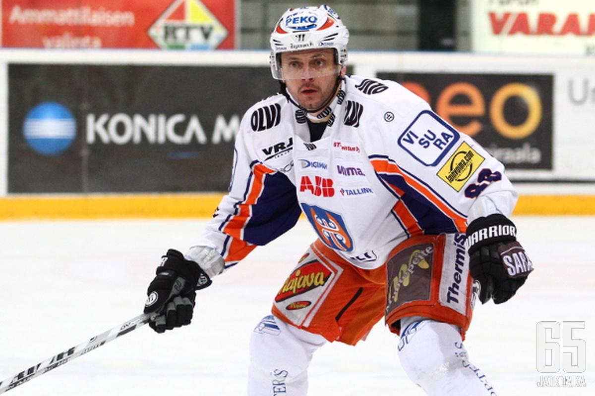 Tabacek lähtee koeajalle Sveitsiin.