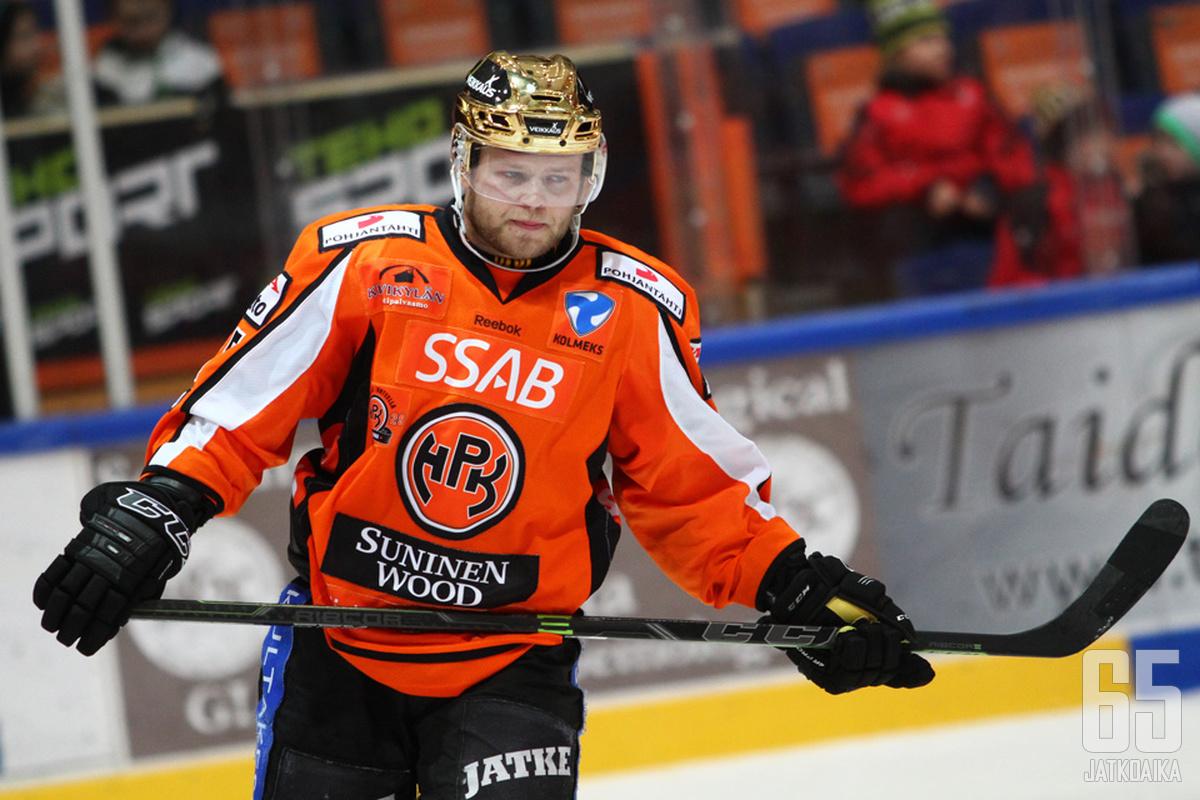 Jesse Saarinen pelaa seuraavan kauden KHL:ssä.