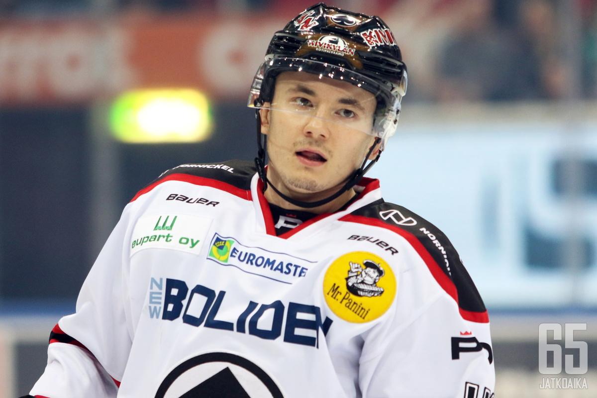 Maksim Matushkin pelasi Liigassa viimeksi kolme vuotta sitten, kun hän edusti Ässiä.