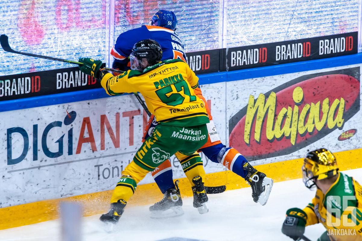 Ilves ja Tappara rymistelevät paikallispelien arvoisesti Uros Live-areenan ensimmäisissä Liiga-otteluissa.