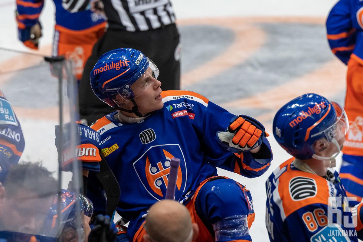 Merelä pelaa ensimmäistä kauttaan Tapparan liigajoukkueessa.