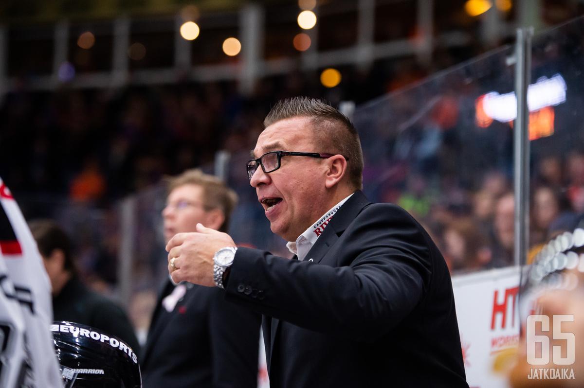 Ari-Pekka Selin nähdään tulevalla kaudella myös maajoukkueen valmennusryhmässä.