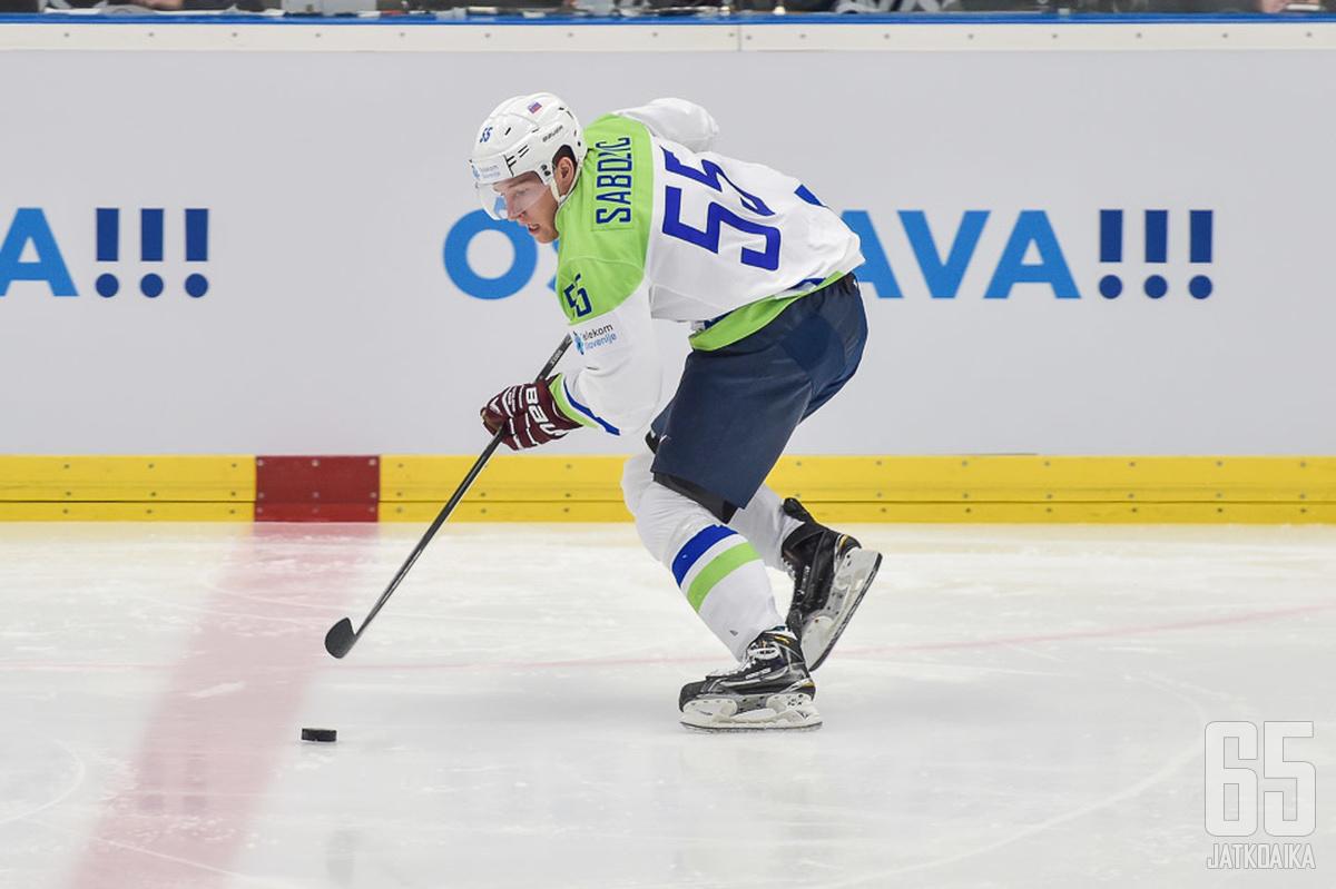 Slovenian maajoukkuepelaaja Robert Sabolic yllätti varmasti monet huippuotteillaan KHL:ssä.