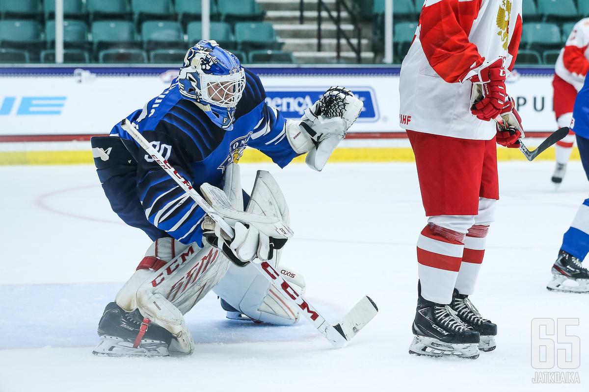 Aku Koskenvuo torjui Suomen voitossa 25 kertaa sekä voittolaukauskilpailussa kaiken.