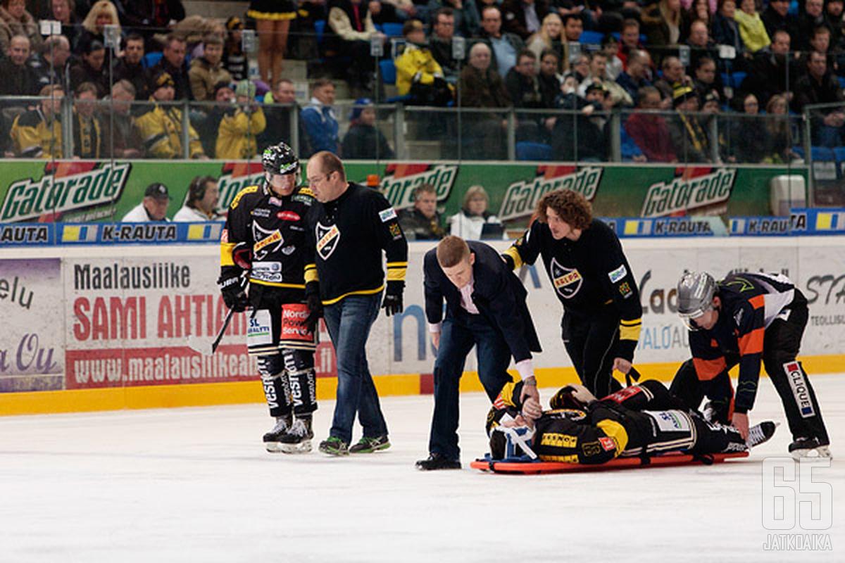Rastislav Pavlikovskyn loukkaantuminen oli ottelun pahin.