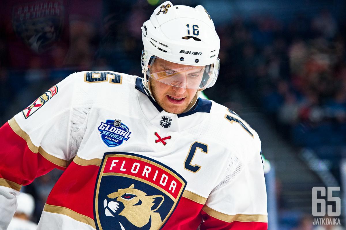 Florida Panthersin suomalaiskapteeni Aleksander Barkov on NHL:n parhaita keskushyökkääjiä.